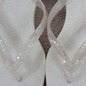 Rocket Dog White Thong Style Sandals Kitten Heel